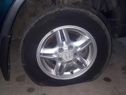 Техническая помощь в дороге. Замена колеса с выездом в Алматы