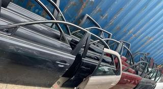 Toyota camry 40 дверь, двери за 35 000 тг. в Алматы