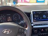 Hyundai Accent 2021 года за 9 200 000 тг. в Караганда – фото 3