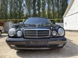 Mercedes-Benz E 320 1998 года за 3 500 000 тг. в Алматы