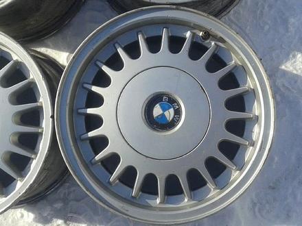 Оригинальные легкосплавные диски на БМВ 5, 2 стиль (Германия R15 5 за 40 000 тг. в Нур-Султан (Астана) – фото 2