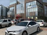 Toyota Camry 2018 года за 13 800 000 тг. в Алматы – фото 5