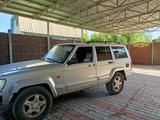 Jeep Cherokee 2003 года за 1 500 000 тг. в Тараз