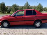 Volkswagen Vento 1993 года за 1 900 000 тг. в Талдыкорган – фото 4