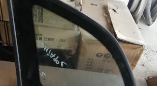 Боковой стекло на сантафе за 594 тг. в Алматы