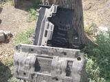 Защитку картера от прадо 150 новый все комплект металл за 50 000 тг. в Аксай