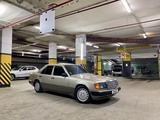 Mercedes-Benz E 230 1990 года за 1 650 000 тг. в Нур-Султан (Астана) – фото 2