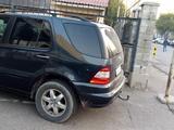 Mercedes-Benz ML 400 2002 года за 3 000 000 тг. в Алматы – фото 5