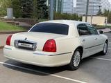 Lincoln Town Car 2005 года за 4 000 000 тг. в Нур-Султан (Астана) – фото 2