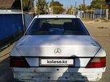 Mercedes-Benz E 200 1988 года за 700 000 тг. в Шу – фото 4