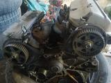 Двигатель коробка по… 1998 года за 11 111 тг. в Алматы