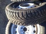 Зимние шины комплекте 185/65/14 за 80 000 тг. в Актобе