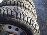 Зимние шины комплекте 185/65/14 за 80 000 тг. в Актобе – фото 2