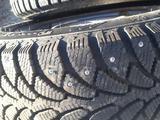 Зимние шины комплекте 185/65/14 за 80 000 тг. в Актобе – фото 4