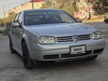 Volkswagen Golf 2003 года за 1 650 000 тг. в Атырау – фото 3
