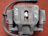 Суппорт тормозной передний левый на Toyota Highlander, v2.4, 2azfe, 2001… за 15 000 тг. в Караганда