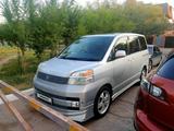 Toyota Voxy 2004 года за 2 600 000 тг. в Нур-Султан (Астана)