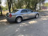 Chrysler 300C 2006 года за 3 500 000 тг. в Алматы – фото 4