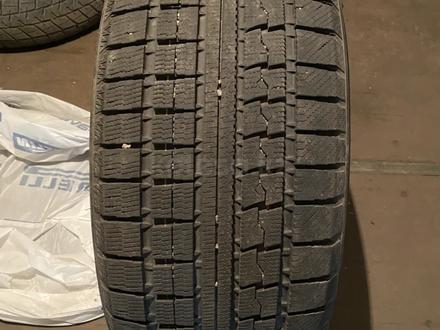 Комплект разноразмерных зимних шин BMW X5, х6 за 200 000 тг. в Алматы