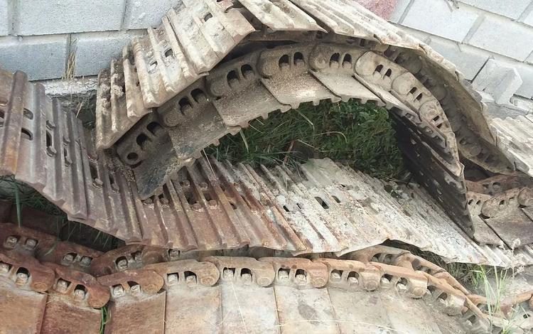 Бортовой редуктор мотор поворотный гусеницы ковш в Алматы