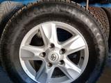 Зимние шины на дисках для LC200 за 200 000 тг. в Павлодар