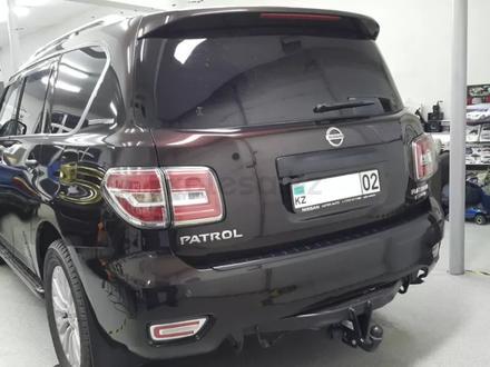 Комплект оригинальных рестайлинговых задних фонарей на Nissan Patrol Y62 за 300 000 тг. в Алматы – фото 4
