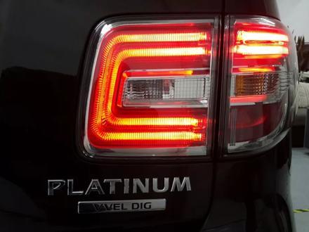 Комплект оригинальных рестайлинговых задних фонарей на Nissan Patrol Y62 за 300 000 тг. в Алматы – фото 3