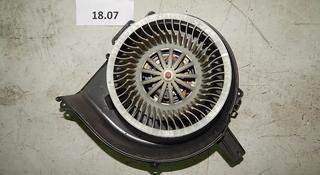 Мотор вентилятора печки (правый руль) за 12 000 тг. в Алматы
