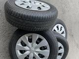 Комплект колес R15 с летней новой резиной за 90 000 тг. в Алматы