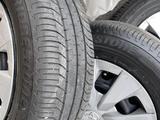 Комплект колес R15 с летней новой резиной за 90 000 тг. в Алматы – фото 3