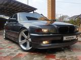 BMW 740 1999 года за 3 650 000 тг. в Алматы – фото 2