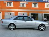 Mercedes-Benz E 320 2001 года за 4 799 000 тг. в Актау – фото 2