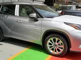 Toyota Highlander 2021 года за 27 700 000 тг. в Шымкент – фото 2