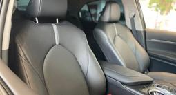 Toyota Camry Prestige 2021 года за 16 780 000 тг. в Алматы – фото 4