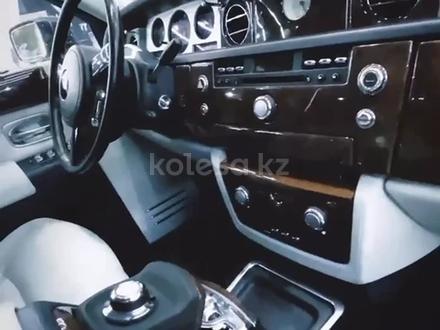 Rolls-Royce Phantom 2003 года за 46 500 000 тг. в Алматы – фото 12