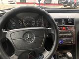 Mercedes-Benz C 200 1998 года за 3 000 000 тг. в Жанаозен – фото 5