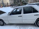 Mercedes-Benz E 220 1992 года за 1 950 000 тг. в Алматы – фото 4