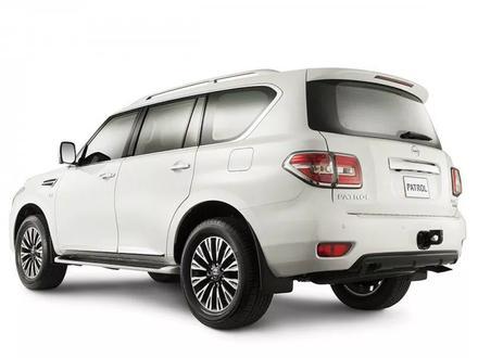Оригинальный задний бампер на Nissan Patrol Y62 за 150 000 тг. в Алматы