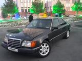 Mercedes-Benz E 220 1993 года за 1 550 000 тг. в Шымкент