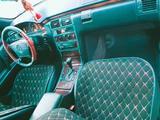 Mercedes-Benz E 200 1996 года за 1 500 000 тг. в Жанаозен – фото 2