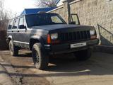 Jeep Cherokee 1993 года за 2 700 000 тг. в Алматы