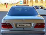 Mercedes-Benz E 240 2000 года за 3 400 000 тг. в Шымкент – фото 4