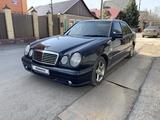 Mercedes-Benz E 230 1997 года за 2 600 000 тг. в Караганда
