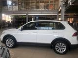 Volkswagen Tiguan Respect (2WD) 2021 года за 12 860 000 тг. в Актобе – фото 2
