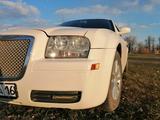 Chrysler 300C 2008 года за 4 600 000 тг. в Семей – фото 3