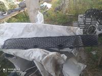 Решетка в бампер за 8 000 тг. в Алматы