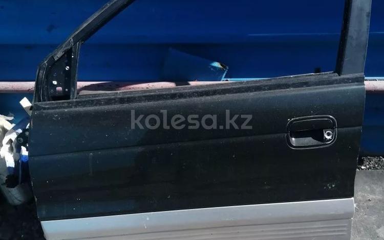 Дверь водительская за 13 000 тг. в Темиртау