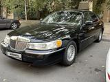 Lincoln Town Car 1999 года за 3 500 000 тг. в Алматы