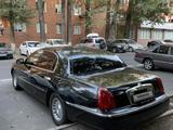 Lincoln Town Car 1999 года за 3 500 000 тг. в Алматы – фото 2