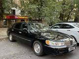 Lincoln Town Car 1999 года за 3 500 000 тг. в Алматы – фото 4